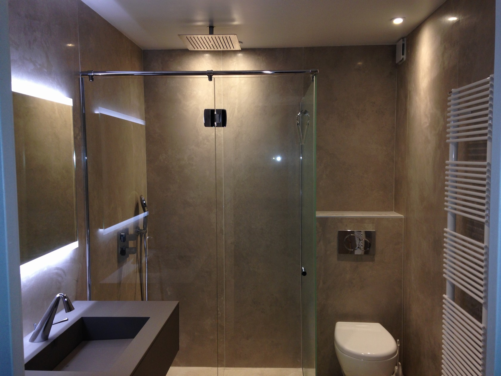 Rénovation d\'une salle de bain moderne